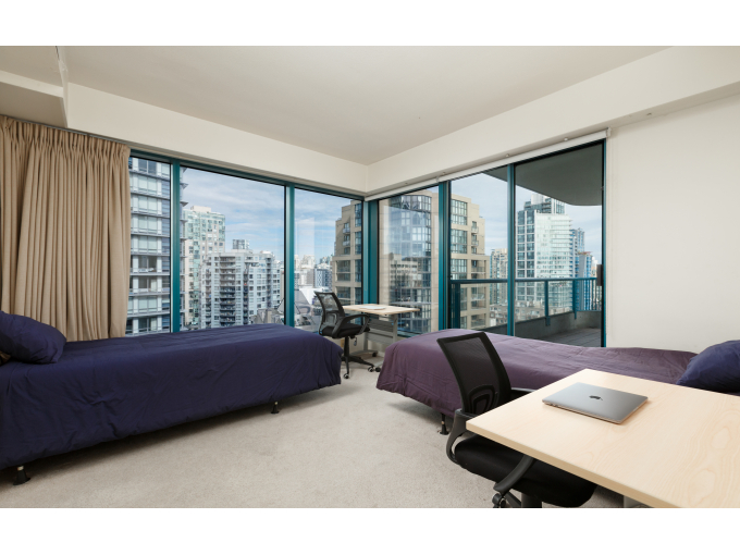 Downtown Vancouver Shared Bedroom - Furnished